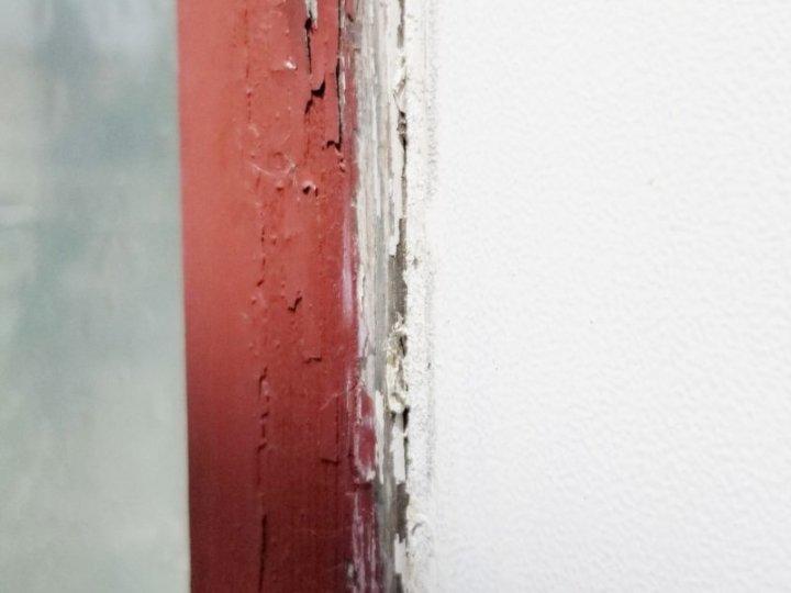 窓廻りシーリングひび割れ