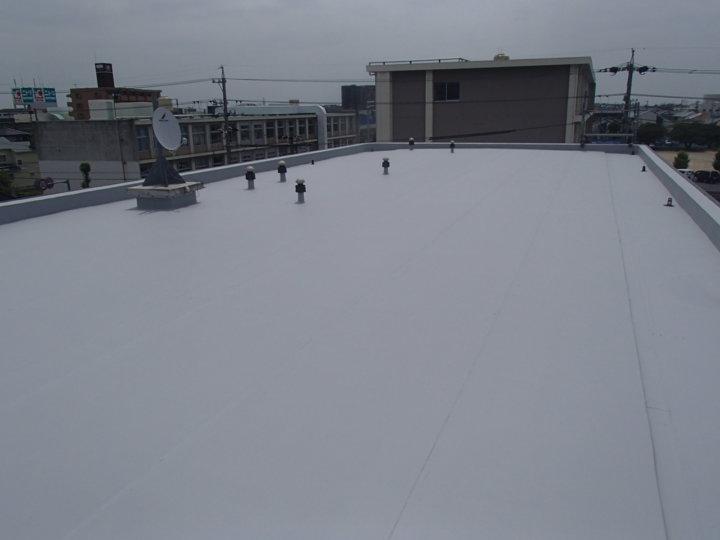 浜松市中区高丘東のアパート屋上シート防水の長寿命化にトップコープ塗装施工。|浜松市外壁塗装屋根専門店の加藤塗装