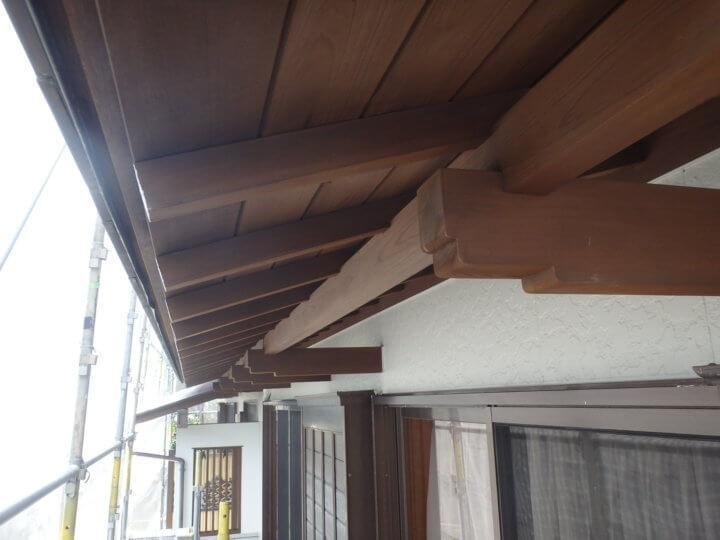 軒木部塗装完成
