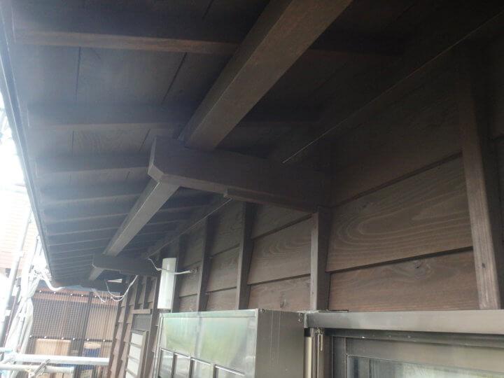 庇木部塗装完成