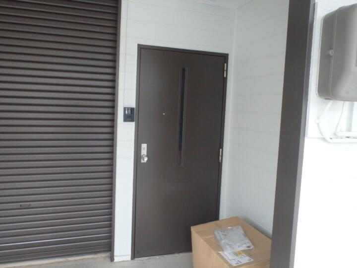 扉塗装完了