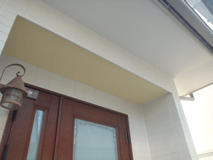 玄関軒塗装完成