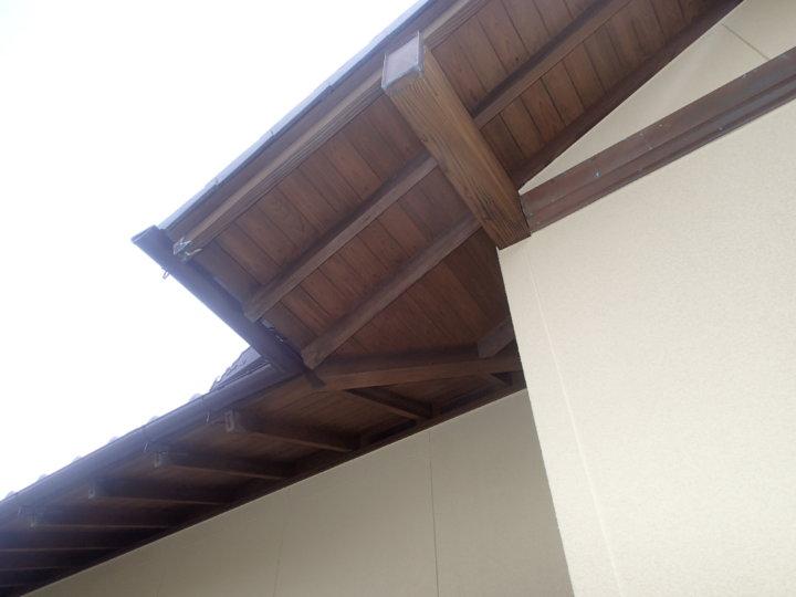 軒天木部塗装完成