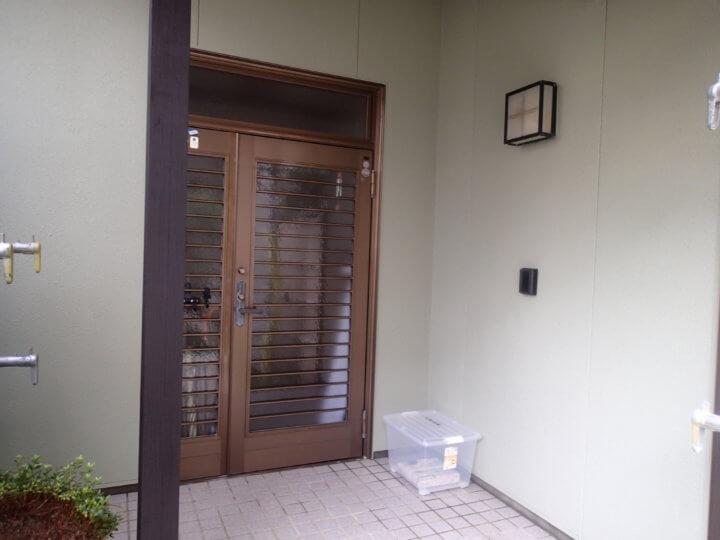 玄関廻り塗装完成