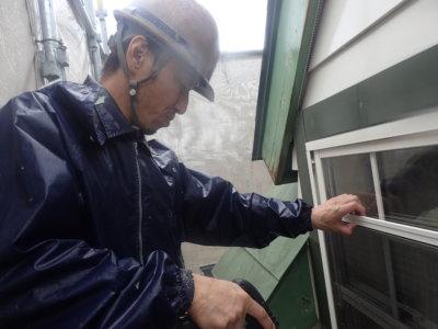 汚れ高圧洗浄玄関枠破風劣化2付帯部塗装外壁塗装の事なら浜松塗装専門店|加藤塗装令和2年7月工事開始破風劣化木部隅々まで職人