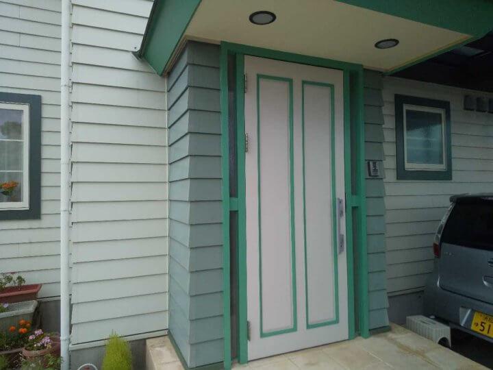 玄関扉塗装完成