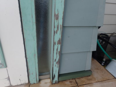 浜松市東区恒武町塗装工事施工事例完成外壁塗装の事なら浜松塗装専門店|加藤塗装外構エクステリアアートフレッシュ緑色の家玄関木部剥がれ
