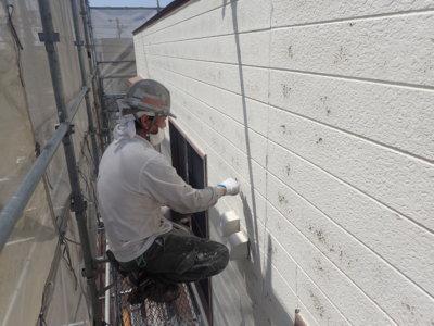 浜松市西区篠原町Hさま邸塗装工事劣化塗膜が割れるケレン作業外壁塗装の事なら浜松塗装専門店|加藤塗装
