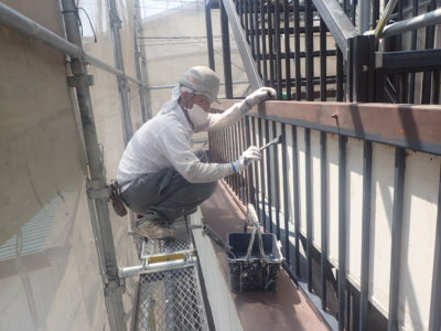 令和8月お盆帰省外壁塗装の事なら浜松塗装専門店|加藤塗装ベランダ鉄部手摺錆止め塗料腐食防止丁寧