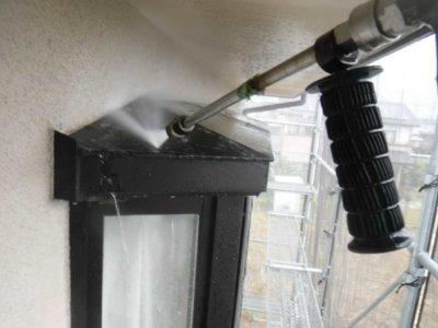 ベランダの汚れ 高圧洗浄 外壁塗装の事なら浜松塗装専門店|加藤塗装 掃除 外壁塗装の前にする事 業務用 職人 プロ 鳩の糞 対策 剣山