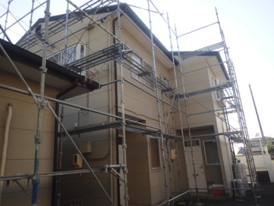 浜松市南区頭陀寺町アパート塗装始まりました。外壁塗装の事なら浜松塗装専門店|加藤塗装 マンション リフォーム