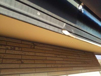 養生作業 浜松市中区高林町Oさま邸 外壁塗装の事なら浜松塗装専門店|加藤塗装 軒天 濃い茶色 破風塗装