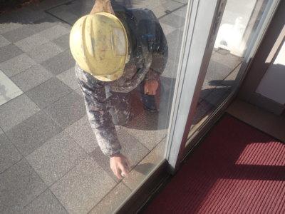 塗装職人ひみつ道具 外壁塗装の事なら浜松塗装専門店 加藤塗装 テーププライマー 3M 移動式足場 滑車が付いている 浜松駅南ショールーム
