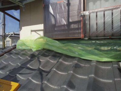 浜松市南区西島町 施工事例 養生作業 強風 恐怖 遠州のからっ風 外壁塗装の事なら浜松塗装専門店|加藤塗装 純和風住宅 瓦