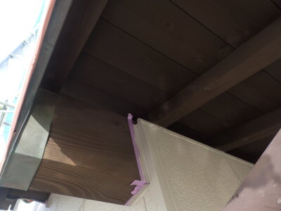 外壁塗替え 上塗り塗装 南区西島町 施工事例 外壁塗装の事なら浜松塗装専門店|加藤塗装 施工事例 令和3年 2021 サンドカラー 純和風住宅 庇木部 専用塗料