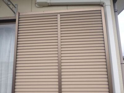 シャッター塗装範囲 アルミ素材 外壁塗装の事なら浜松塗装専門店 加藤塗装 窓枠 雨戸
