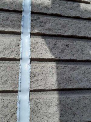 浜松市南区東若林町 施工事例 高圧洗浄 屋根 外壁塗装の事なら浜松塗装専門店|加藤塗装 外壁レンガ調 劣化症状 雨戸 白いポツポツ 玄関天井汚れ シーリング撤去 充填 改修工事 二色試し塗り