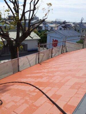 アステックペイント スーパーシャネツサーモsi カラーベスト スレート屋根 コロニアル 外壁塗装の事なら浜松塗装専門店|加藤塗装 雨樋に落ち葉が詰まる 雨が流れない 高圧洗浄 キャンペーン中 在庫処分
