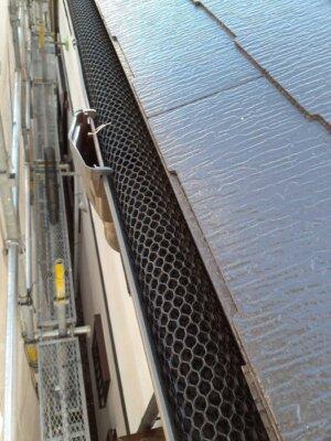 落ち葉避けネット取付 施工事例 外壁塗装の事なら浜松塗装専門店|加藤塗装 雨樋