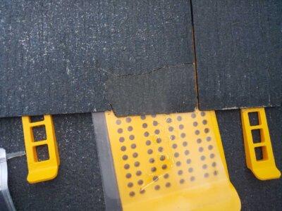 スレート屋根ひび割れ タスマジック 施工事例 外壁塗装の事なら浜松塗装専門店|加藤塗装 経年劣化 台風被害 直し方 接着剤 カラーベスト コロニアル