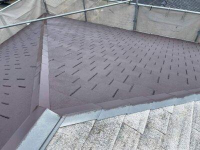 うろこ屋根 カラーベスト 色褪せ 藻 苔 劣化症状 水はけが悪い 外壁塗装の事なら浜松塗装専門店|加藤塗装 ルーフィング 雨漏り 張替え ルーフィング 雨漏り