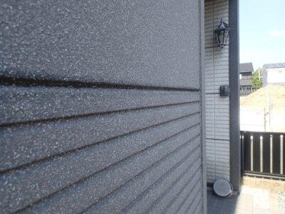 黒と赤 ツートーン外壁 カラー お洒落 男子が喜ぶ かっこいい cool 外壁塗装の事なら浜松塗装専門店|加藤塗装