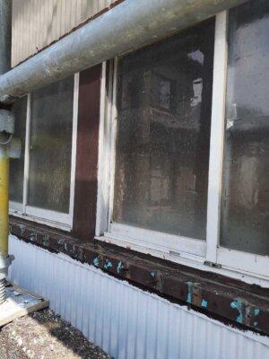 窓格子 取付 取り外し 木製 防犯 雨戸の代わり 目隠し 外壁塗装の事なら浜松塗装専門店|加藤塗装 台風 飛来物 危険性 腐蝕