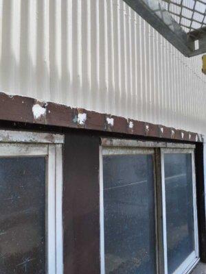 窓格子 取付 取り外し 木製 防犯 雨戸の代わり 目隠し 外壁塗装の事なら浜松塗装専門店|加藤塗装 台風 飛来物 危険性 腐蝕 電動のこぎり 切断カッター サンダー 錆止め塗料 部分塗装できる