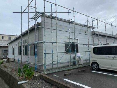 平屋 事務所塗装 施工事例 足場架設 外壁塗装の事なら浜松塗装専門店|加藤塗装 令和3年 8月