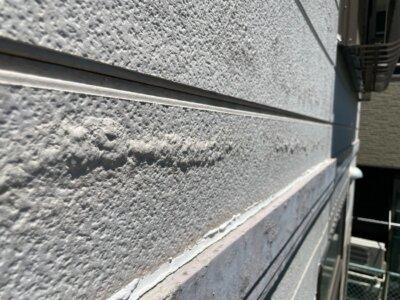シーリング破断 劣化 ひび割れ 硬化 築年数 雨漏り 水漏れ 外壁塗装の事なら浜松塗装専門店|加藤塗装 塗膜膨れ 原因 サイディング 水の浸入